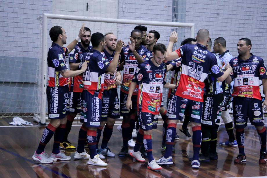 Cascavel Futsal e Assoeva se enfrentam valendo vaga na final.