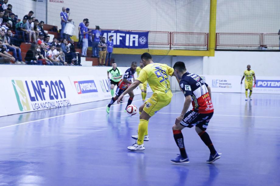 O Cascavel Futsal vence o São José e vai dormir na liderança da Liga Nacional