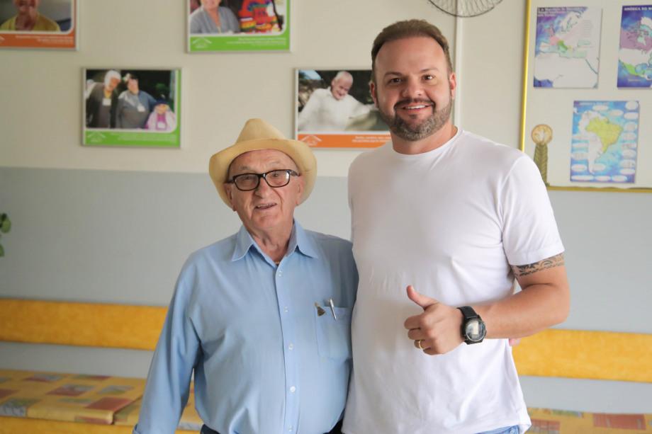 Cascavel Futsal doa cerca de 500 kg de alimentos ao abrigo São Vicente de Paulo...